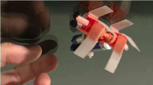 3D-печатный робот с квадратными колесами будет ходить по потолку