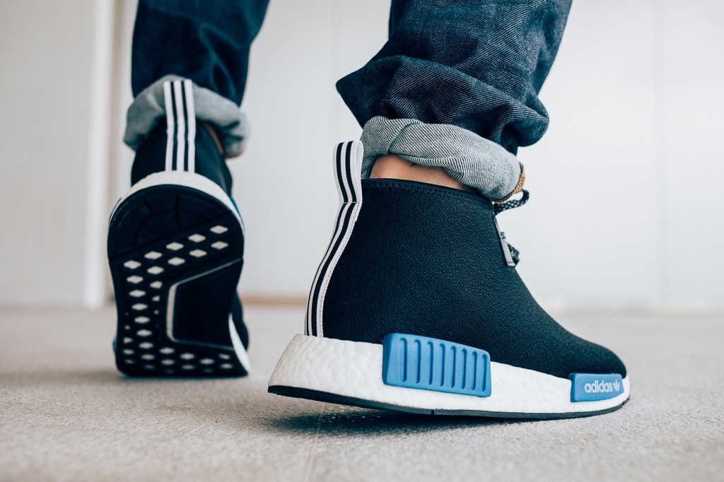 Adidas Originals и Porter-Yoshida & Co: черно-синяя коллаборация