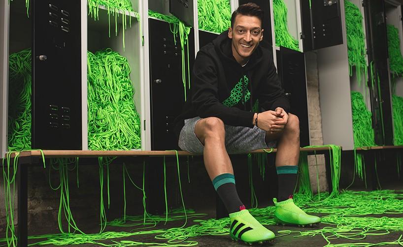 Adidas передал игрокам «Арсенала» кроссовки, распечатанные на 3D-принтере