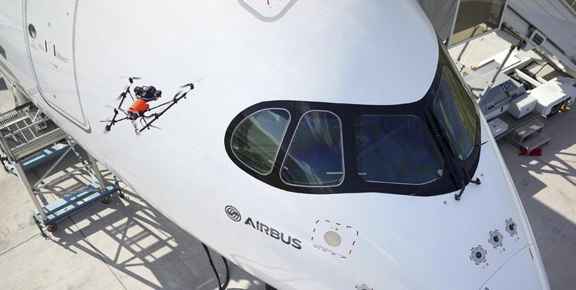 Airbus будет применять дроны для обслуживания самолетов