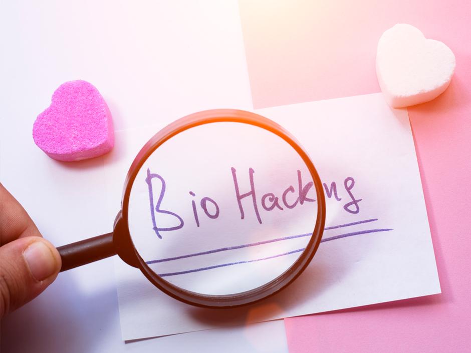 Биохакинг: реально ли продлить жизнь?