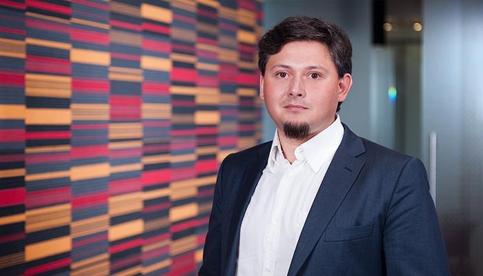 «Блокчейн ускорит и удешевит финансовые сделки» – технический архитектор «Альфа-Банка» Максим Азрильян