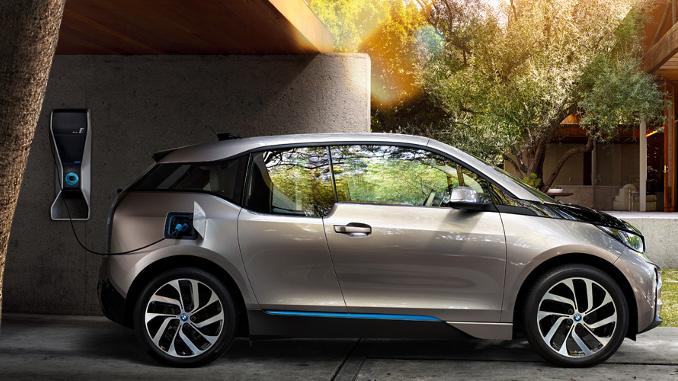 BMW интегрировала электрокар BMW i3 с умным домом