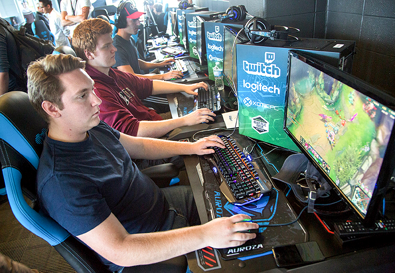 Canadian college opened eSports arena for students