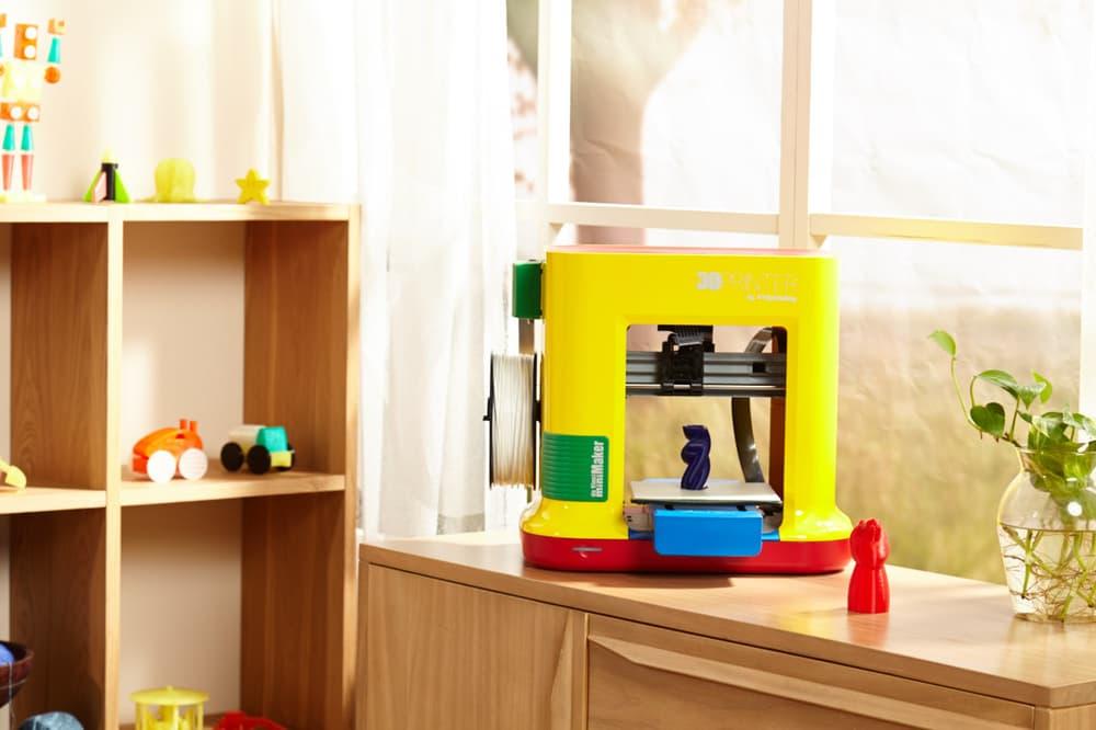 da Vinci miniMaker – разноцветный 3D-принтер для обучения школьников