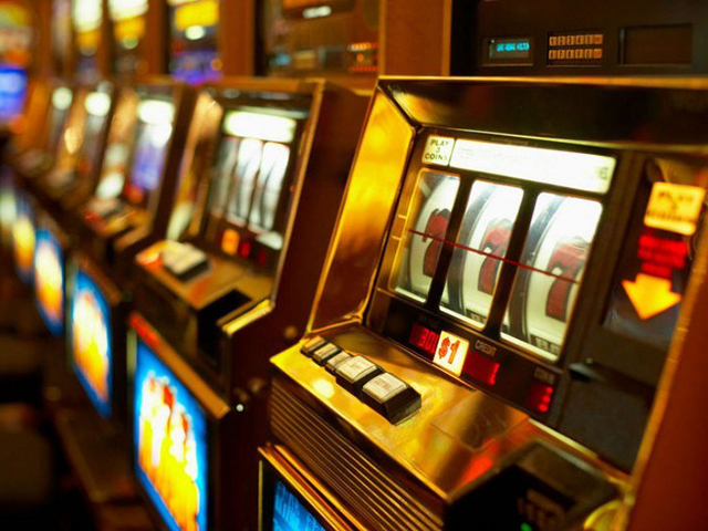 Депутаты приняли закон об уничтожении незаконного игрового оборудования