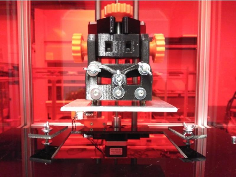 Дизайнер из Португалии выложил мануал по сборке DLP-принтера