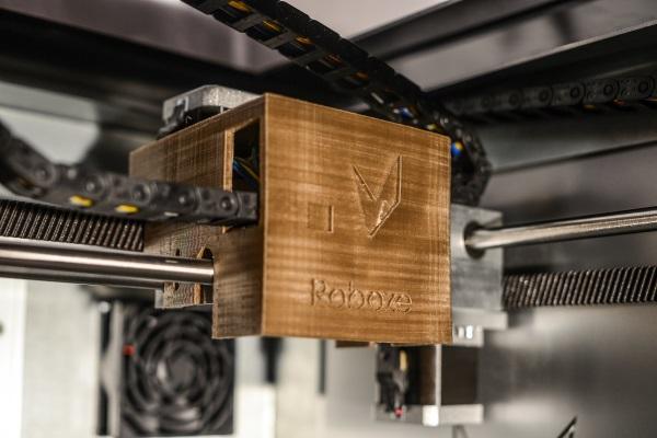 Эксклюзив: новый 3D-принтер Roboze One+400 работает с PEEK, ULTEM и другими материалами