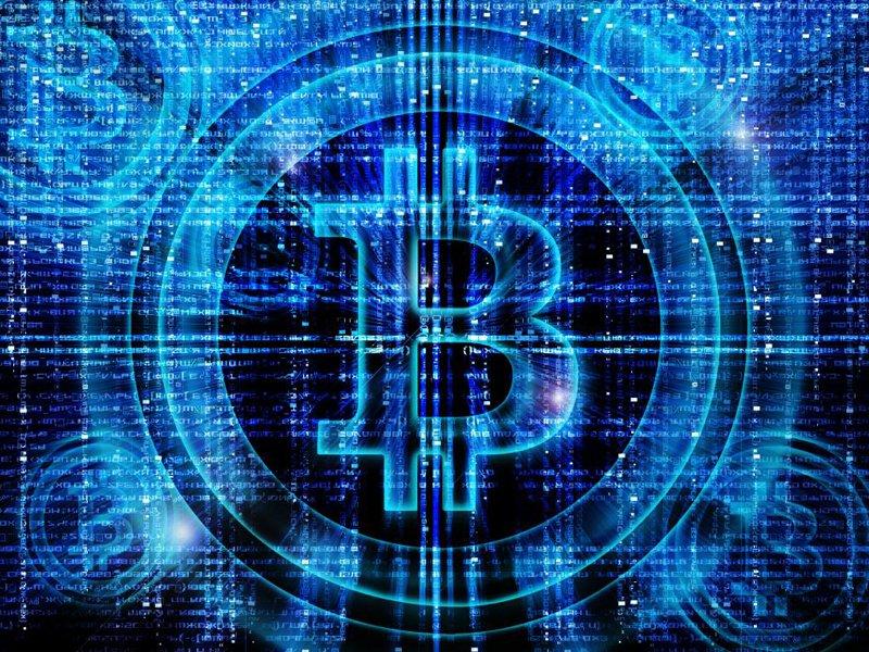 Глава Сбербанка полагает, что криптовалюты запрещать нельзя