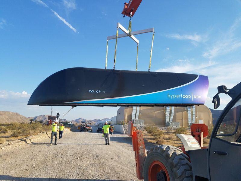 Hyperloop One впервые протестировала транспортную вакуумную систему