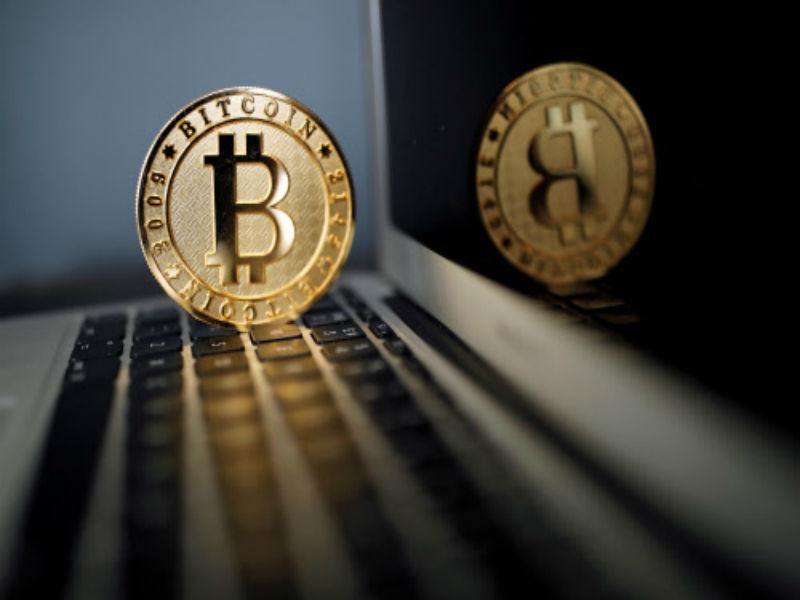 Исследование Superjob: 2% граждан РФ согласны получать зарплату в биткоинах