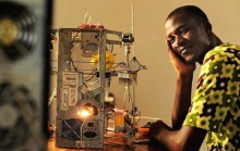 African inventor makes 3D printer from e-waste