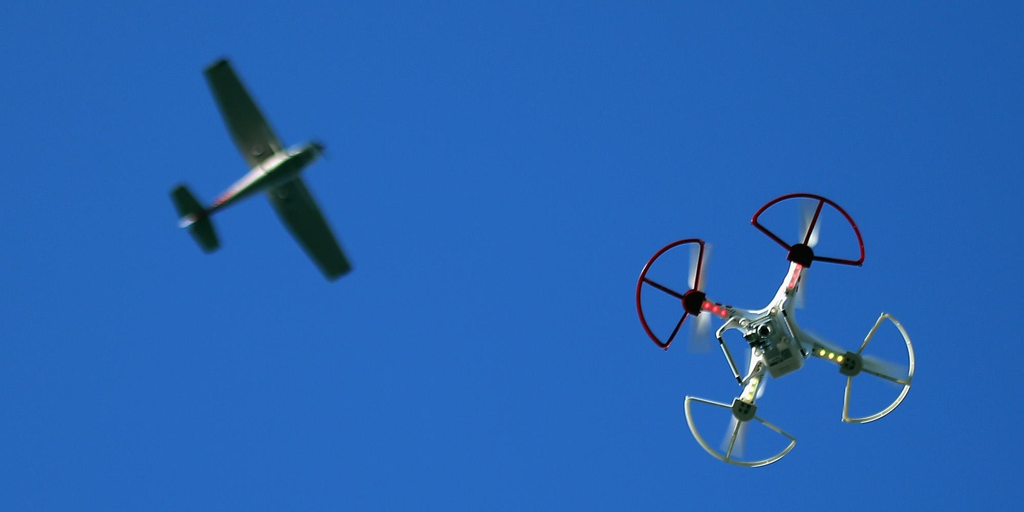 Как использовать дронов, решает правительство США