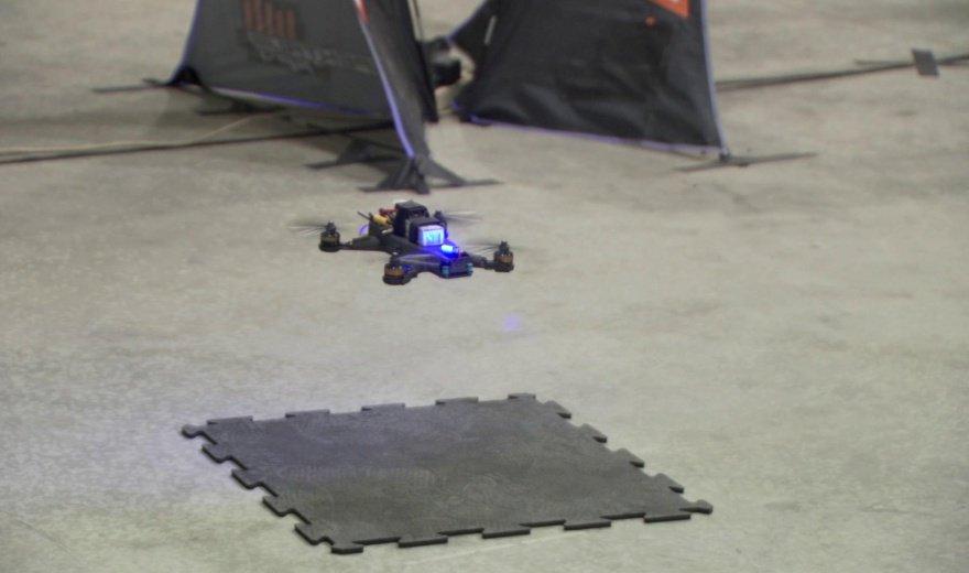 Квадрокоптер NASA vs. пилотируемый дрон: кто победил?