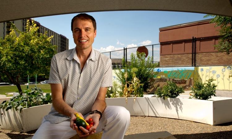 Младший брат Илона Маска планирует сделать городское фермерство новым мировым трендом