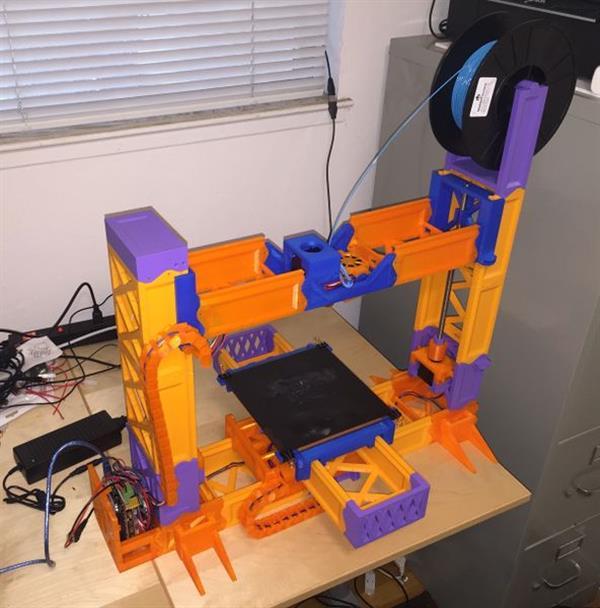 На 3D-принтере можно распечатать 3D-принтер