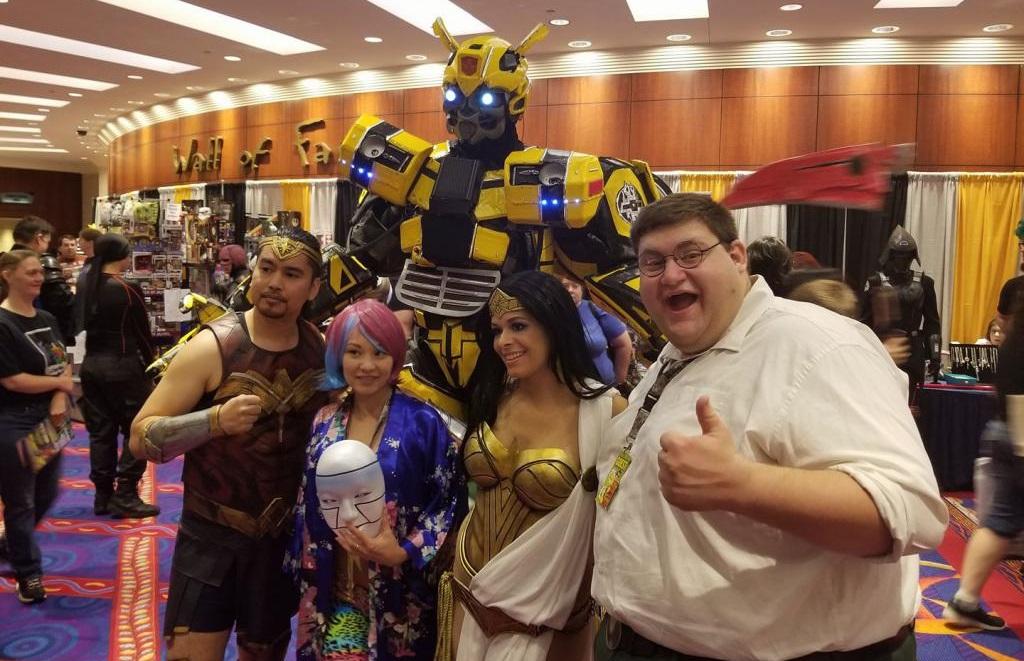 На New York Comic Con представили вражаючий косплей трансформера Бамблбі