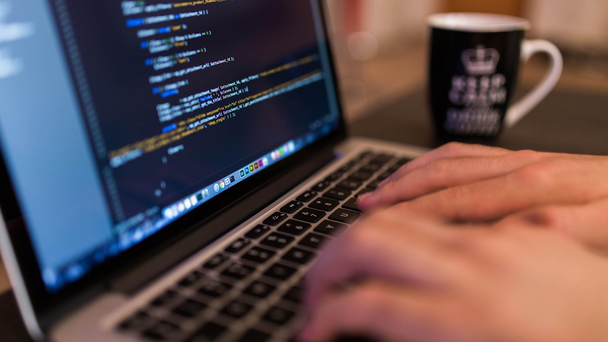 На основе чего создается Интернет вещей: языки программирования