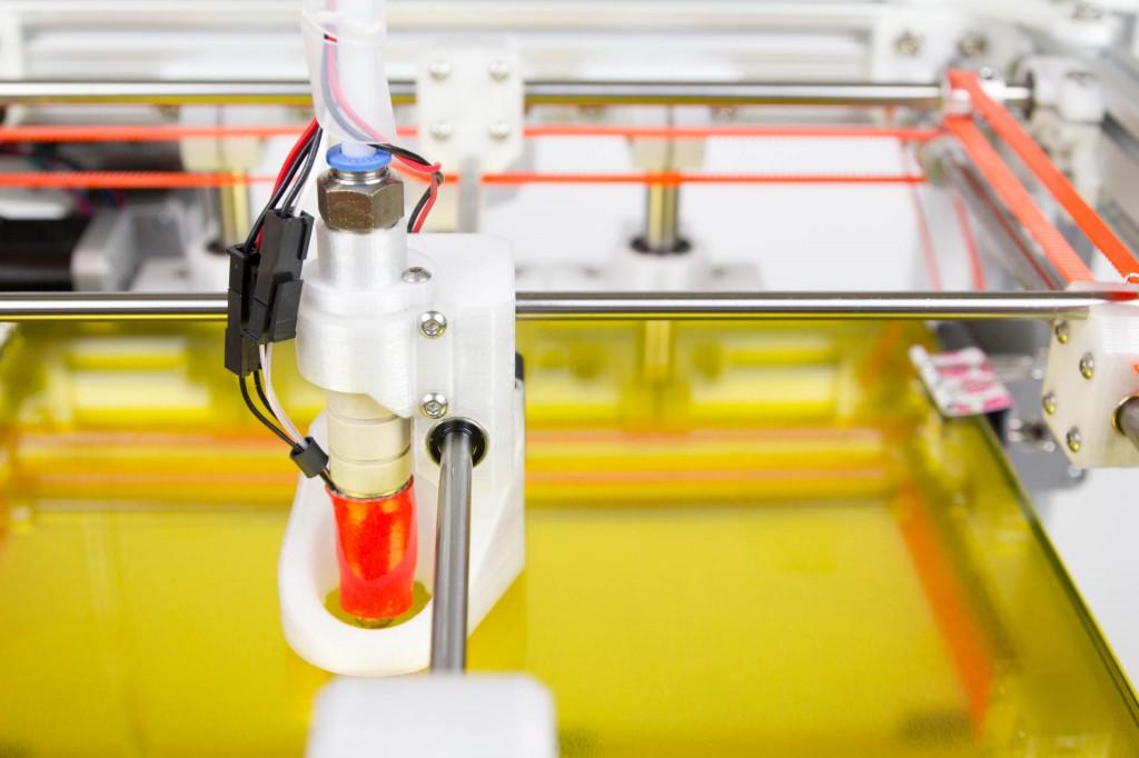 Нагревательный стол для 3D-принтера толщиной меньше миллиметра создали в Новосибирске