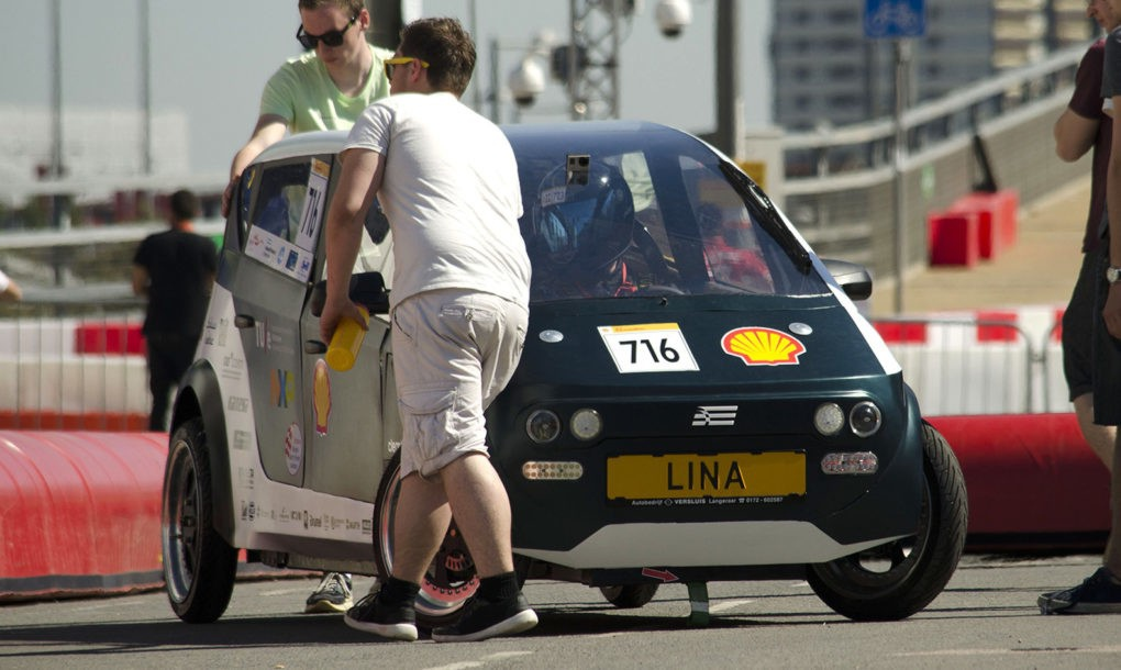 Нидерландские студенты создали первый в мире биоразлагаемый автомобиль