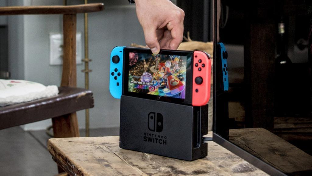 Nintendo Switch: косплей приставки, играющей на приставке