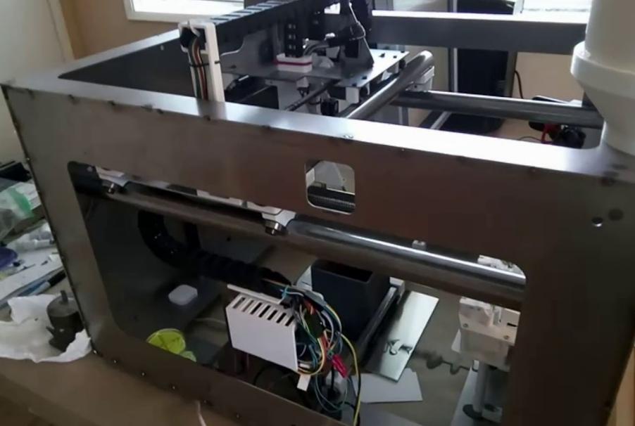 Новый 3D-принтер Iro3D: компактно, просто и дешево