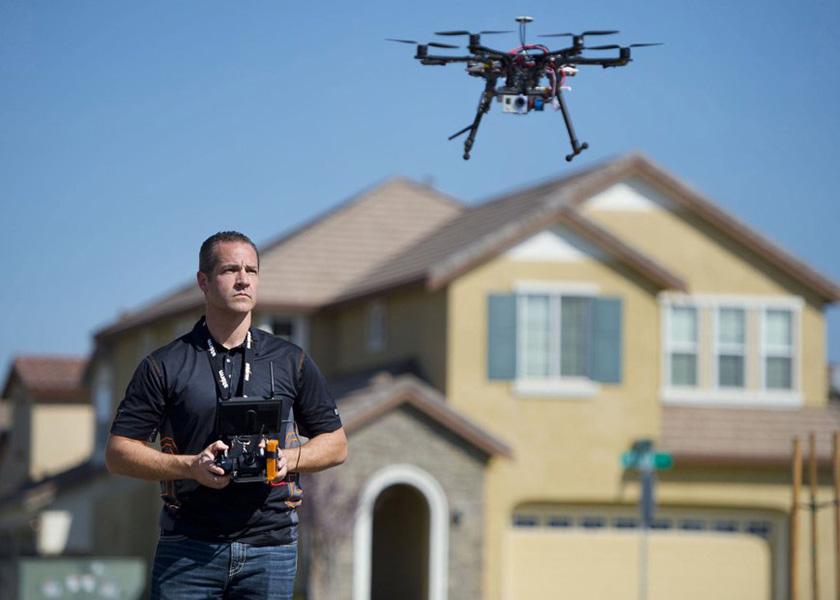 Новый тренд: использование дронов для продажи домов