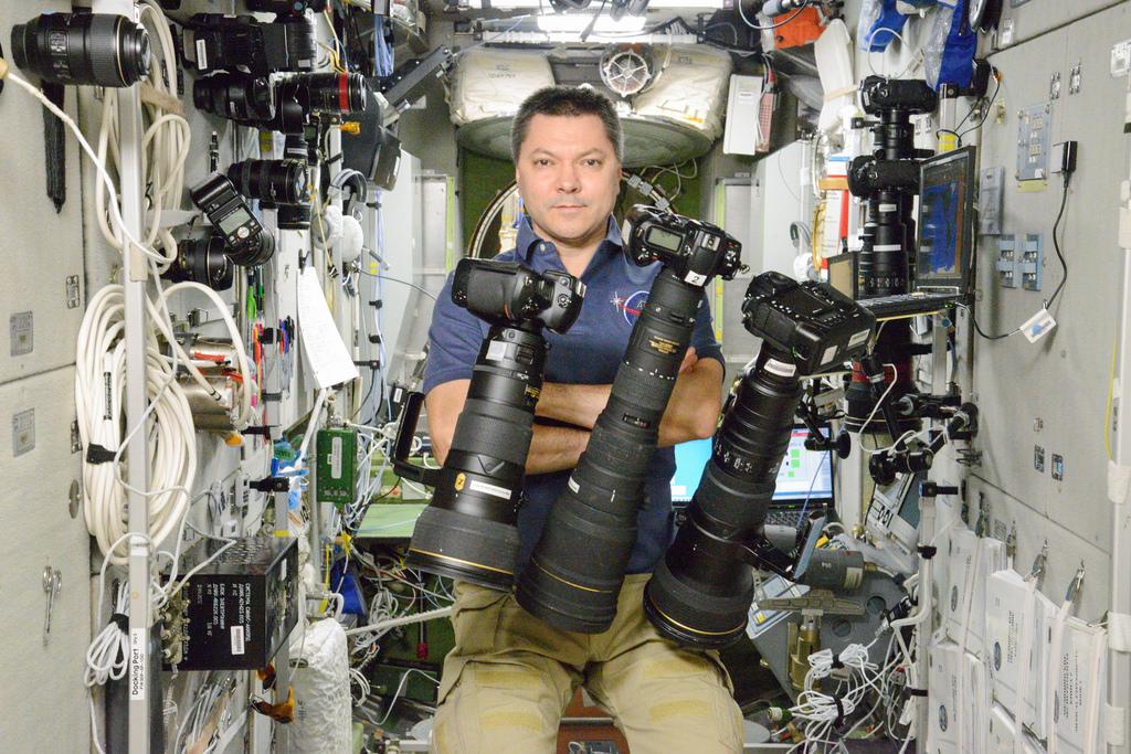 Обзор гаджетов на МКС: какими устройствами пользуются российские космонавты