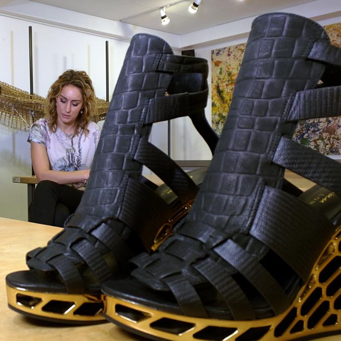 Победительница Олимпийских игр получила туфли, напечатанные на 3D-принтере