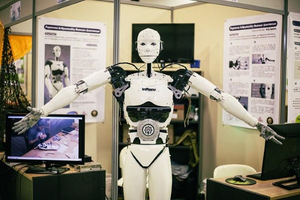 Подросток стал самым молодым разработчиком 3D-напечатанного робота-гуманоида InMoov