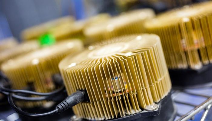 Популярность криптовалют привела к дефициту оборудования для майнинга