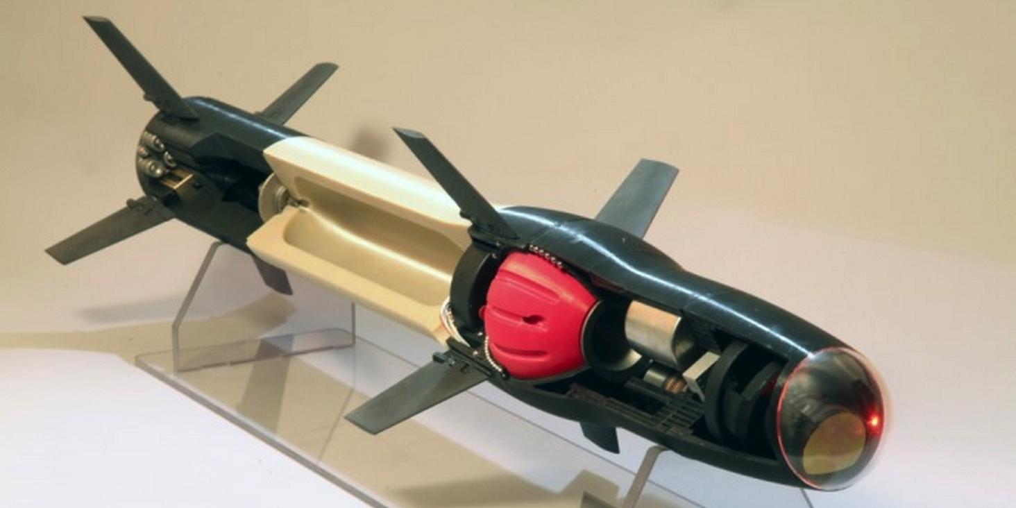 Raytheon собирается печатать на 3D-принтере управляемые ракеты