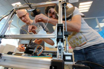 Разработчики из России создают 3D-принтер, который сможет печатать микроспутники прямо на орбите