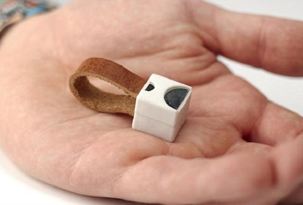 Самое крошечное в мире зарядное устройство напечатали на 3D-принтере