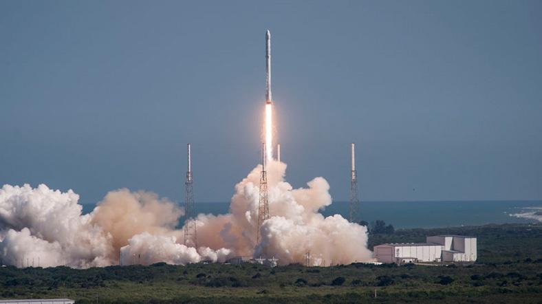 SpaceX продолжает работу над снижением затрат на запуски ракет