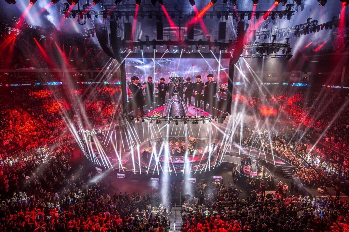 Спортивные стадионы собирают киберспортсменов