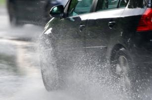 Автомобиль научат «слышать» дорогу