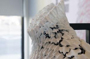 Чешуя акулы вдохновила дизайнеров на создание 3D-печатного воротника