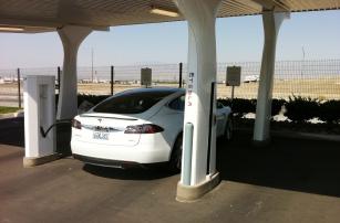 Электромобили на Connected Cars: достоинства, недостатки и перспективы развития