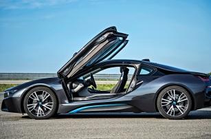 Гибридный электромобиль BMW i8, или Как пересесть с бензина на электричество