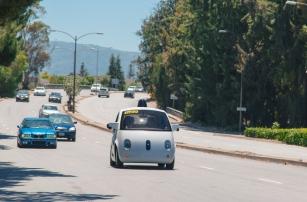 Google программирует автомобиль с системой автономного вождения на более агрессивное поведение