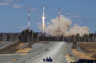 Исторический первый пуск с «Восточного» и поиск отделившихся фрагментов ракеты