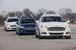 Компания Ford запатентовала автомобильный кинотеатр для беспилотных авто
