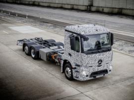 Mercedes продемонстрировал тягач с электродвигателем