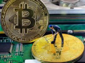 Bitcoin splitting: miners get two-week delay