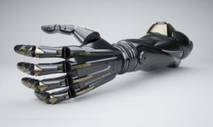 Разработчики делают стильные протезы по мотивам игры Deus Ex