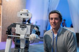 Robosavvy debuts 3D printed Segway-riding robot in Barcelona