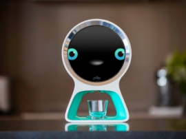 Робот Pillo – домашний доктор-помощник
