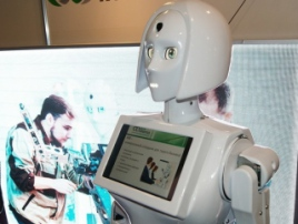 Promo robot KIKI returns to Robotics Expo