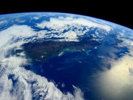 Российские космонавты осуществят второй выход в открытый космос в 2017 году